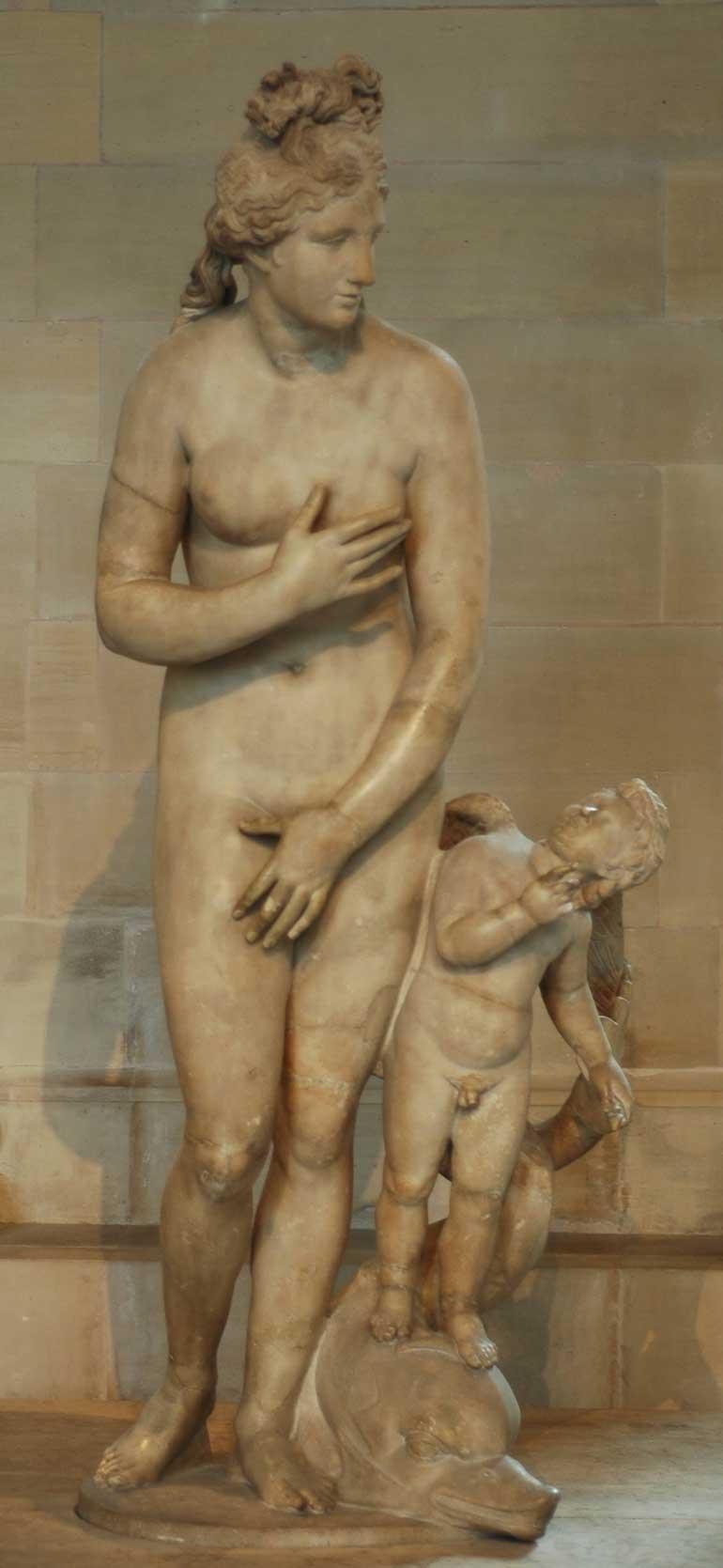 http://www.mlahanas.de/Greeks/Mythology/Images/CapitolineVenusMa335.jpg