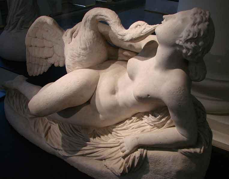 http://www.mlahanas.de/Greeks/Mythology/RM/Leda2Clesinger.jpg