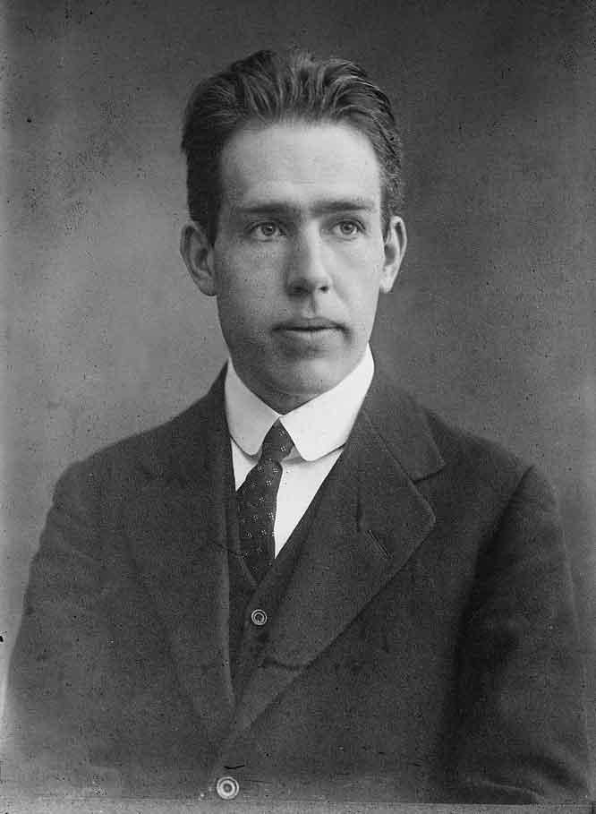 a short biography of niels hendrik david bohr